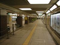 都営浅草線からの地下連絡通路写真